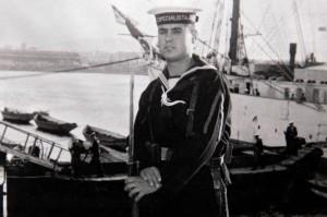 D. Victoriano Villar, Teniente de Alcalde de Alija del Infantado (Le—n), en una imagen de su Žpoca de marino ICAL / PEIO GARCIA