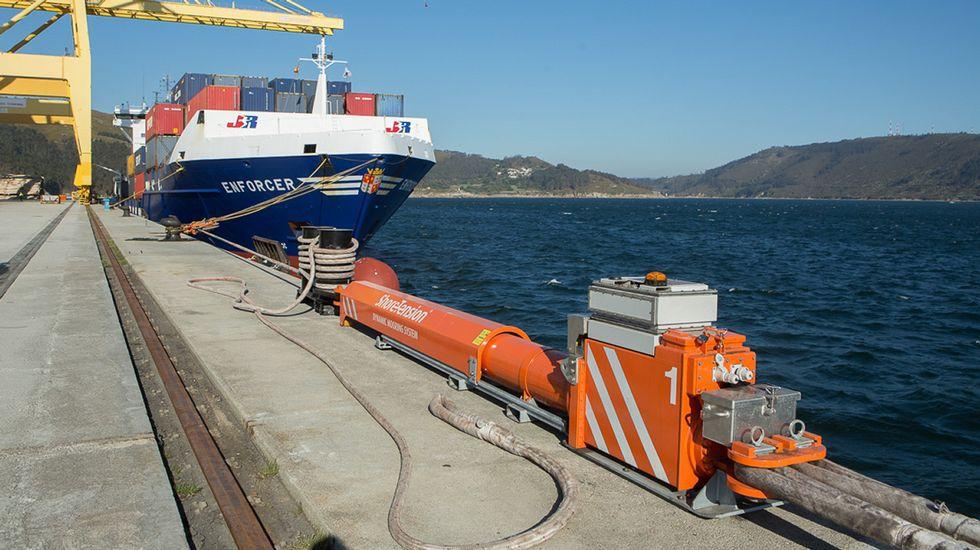 Figura 8: Sistema de amarre hidraúlico en puerto exterior Ferrol (Fuente: Voz de Galicia)
