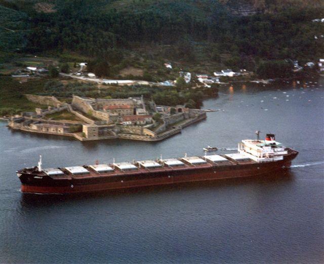 Figura 10: Granelero Urduliz saliendo de Ferrol
