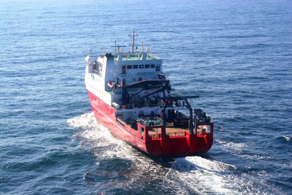 Figura 2: Sarmiento de Gamboa navegando (Fuente: Freire Shipyard)