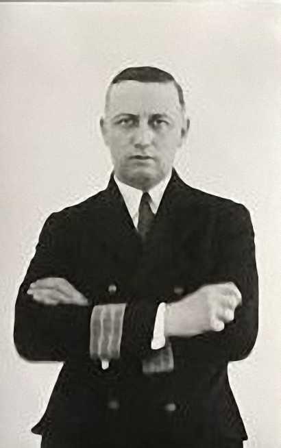 Figura 5: Áureo Fernández Ávila en su etapa en la Armada (Foto facilitada por: Áureo Fernández-Ávila Casas)